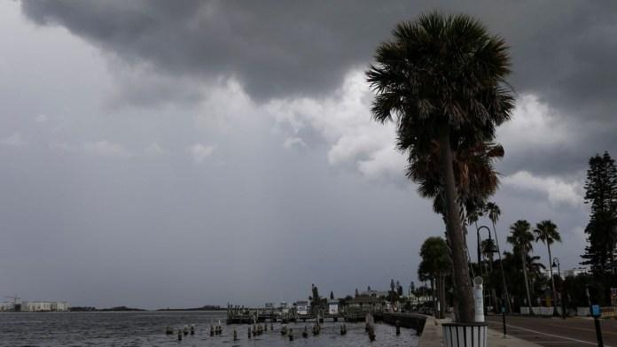 Pone tormenta Elsa en alerta a Florida
