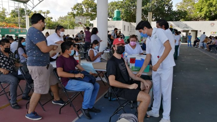 Exhorta la Coparmex a los jóvenes ir a vacunarse