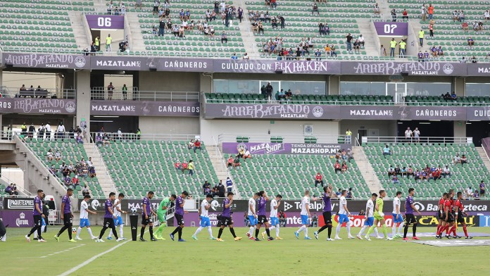 Crece asistencia en estadios de Liga MX