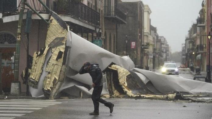 Golpea huracán Ida a Luisiana como categoría 4