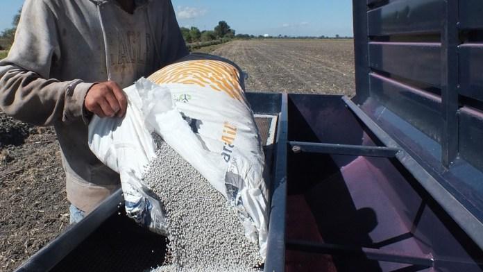 Acelera México importación de fertilizantes