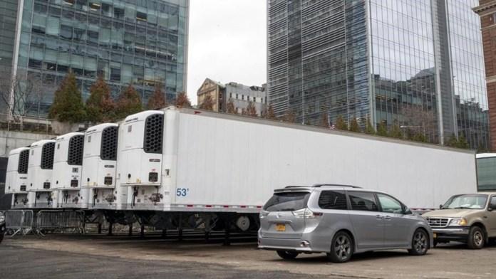 Pide gobierno de Texas camiones mortuorios