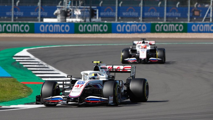 Trabaja Ferrari en renovación de Schumacher y Giovinazzi