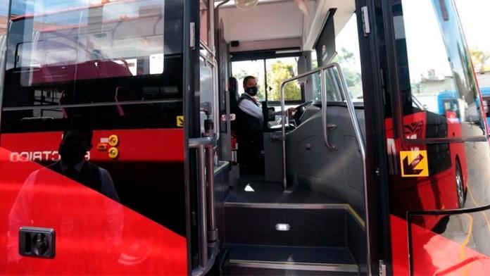 Presenta CDMX metrobuses eléctricos