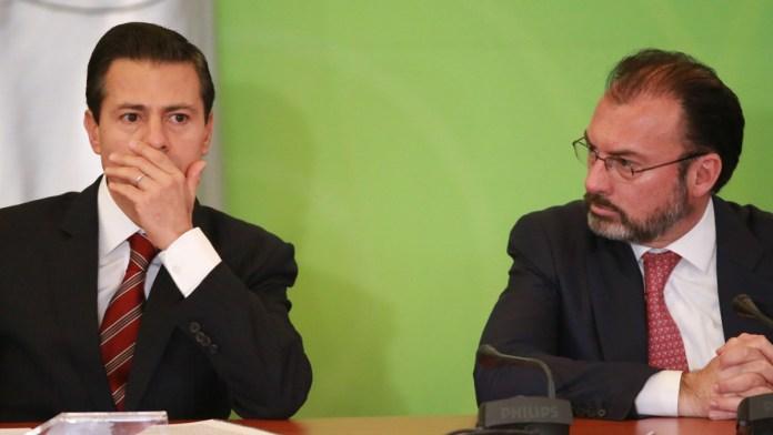 Implica FGR a Peña Nieto en soborno de 6 mdd