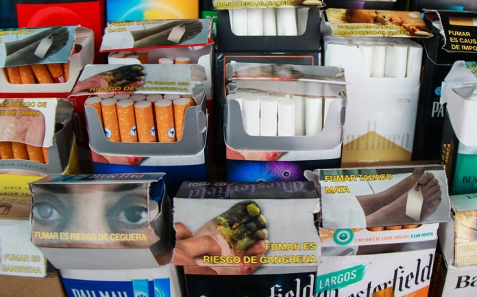 Avalan en farmacias la venta de cigarros