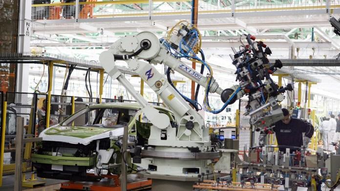 Camina manufactura hacia la especialización