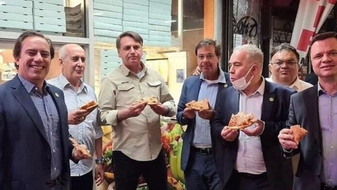 Piden a Jair Bolsonaro aislarse por prevención