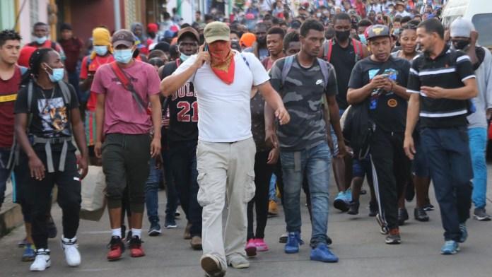 Expulsan a 6 mil hacia Guatemala