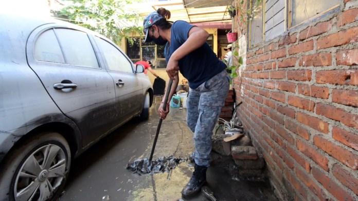Lodo, saqueo y pérdidas… el drama en Tula