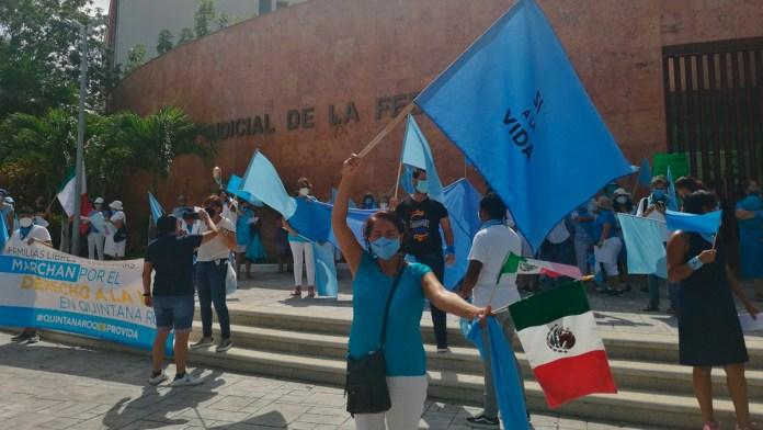 Grupos Provida se manifiestan ante instalaciones del Poder Judicial