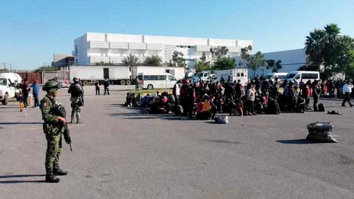 Ejército rescata a más 652 migrantes a punto de morir