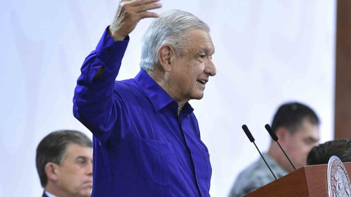 Para evitar insultos, AMLO declina ir al Senado