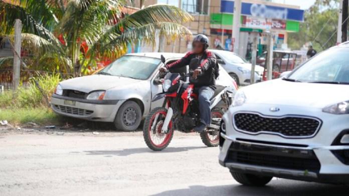 Vehículos y motos sin placas son armas de la delincuencia