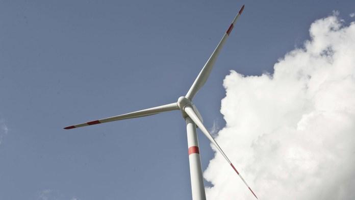 Peligra energía limpia por iniciativa eléctrica