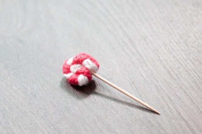 sucette_lollipop_tricotin