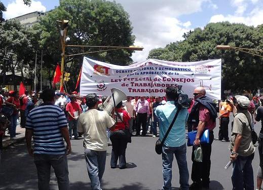 Marcha para exigir la aprobación del la ley especial de consejo de trabajadores y trabajadoras