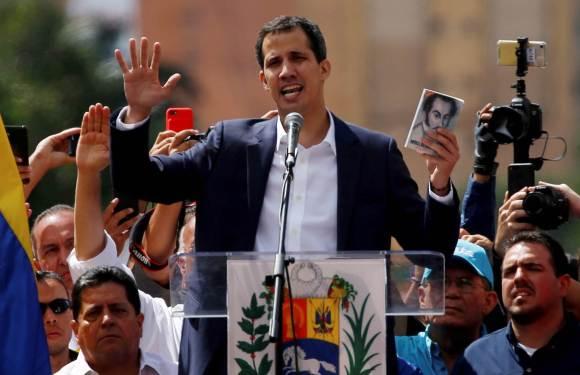 En marcha Golpe de Estado: Guaidó se autoproclama presidente encargado de la república