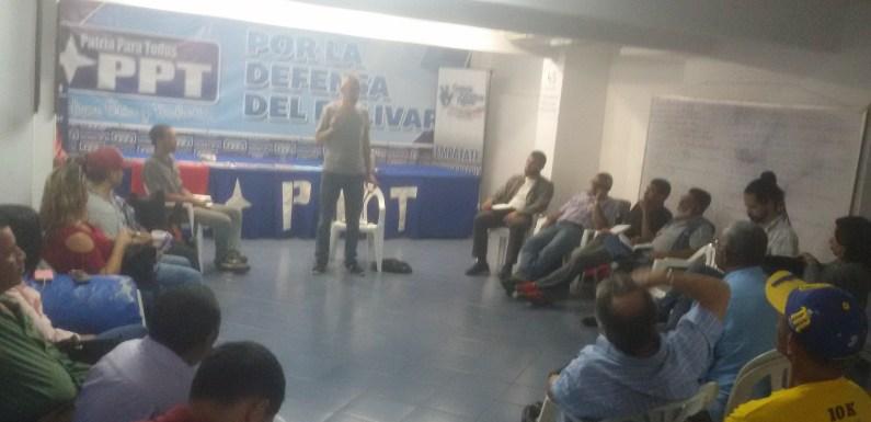 Militancia del PPT y Lucha de Clases discutieron sobre la crisis del capitalismo