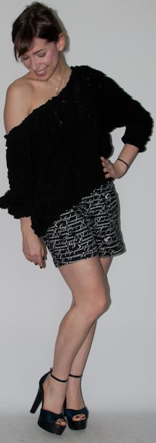 Blog de moda: como usar macaquinho ou vestido com ankle boot e meia, pullover e bolsa speedy louis vuitton. Look do dia