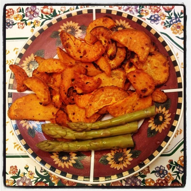 Baked sweet potatoes and asparagus dish