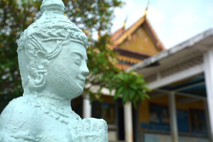 phnom krom cambodia buddha