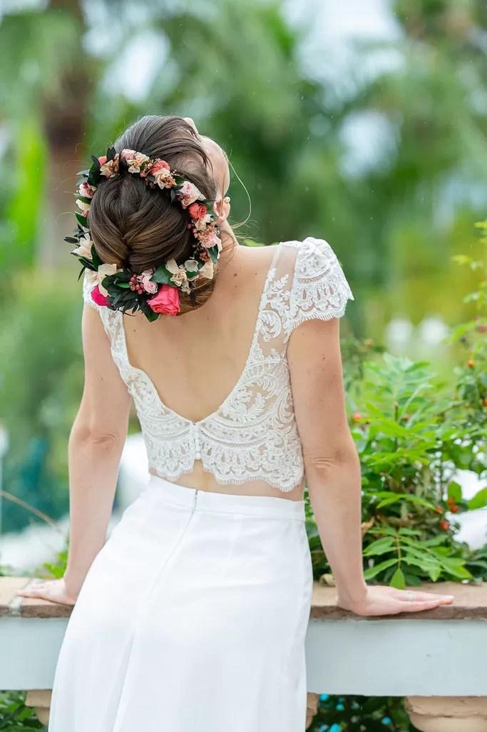 chignon de mariée avec couronne de fleur couronne de victoire