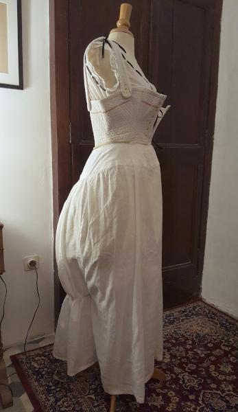 plissage dos du jupon 1880 raté