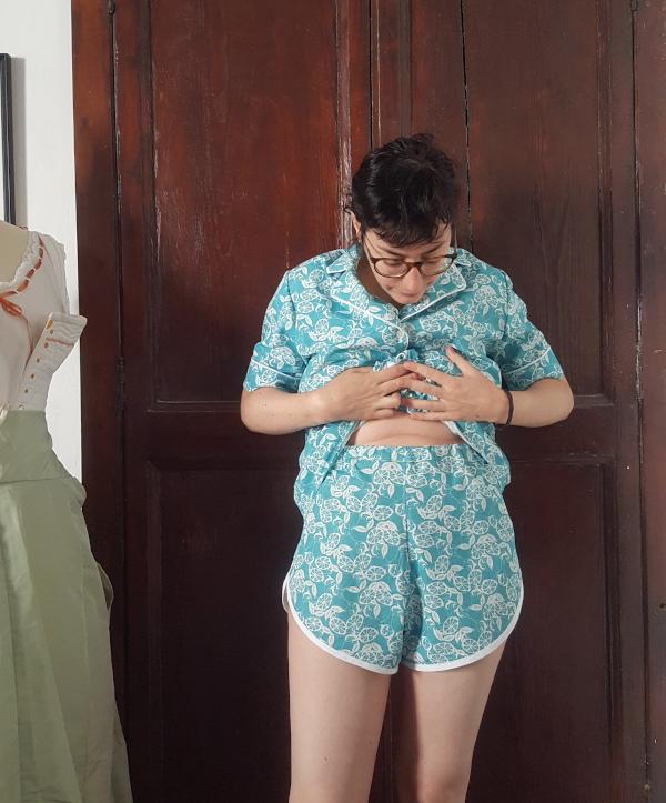 ceinture élastiquée du short du pyjama Amour