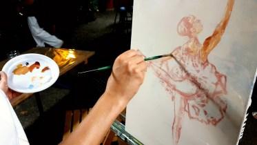 Esquisse de la peinture en mouvement sur la danse réalisée aux rencontres de Maubourguet 2017 où art et sport se côtoient par Lucie LLONG, artiste peintre du mouvement