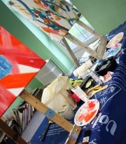 stage de peinture abstraite, réalisation d'un tableau abstrait dans le puy de dôme en auvergne