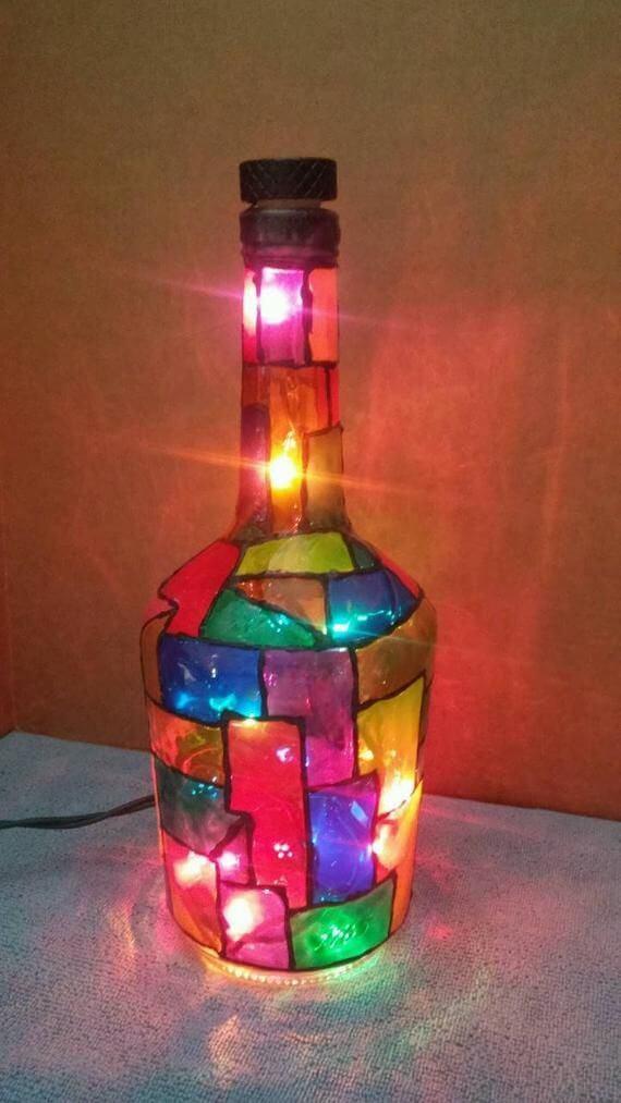botellas de vidrio pintadas