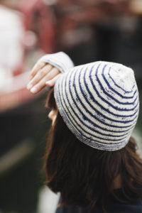 Bonnet marinière 200x300 - Inspiration Marinière : du matelot à nos tricots