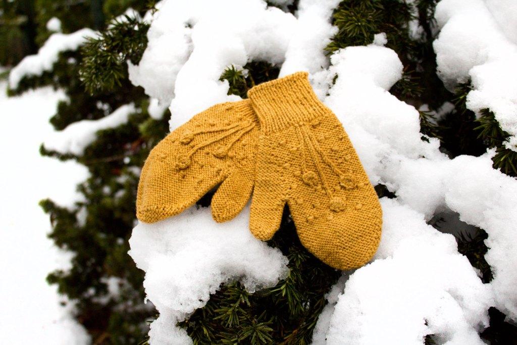 moufles neige04 frisson web 1024x683 - Frisson : des moufles pour l'hiver