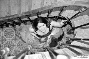 Photographe Sarthe mariage - Mariée dans l'escalier