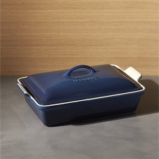 le-creuset-heritage-covered-rectangle-ink-baking-dish