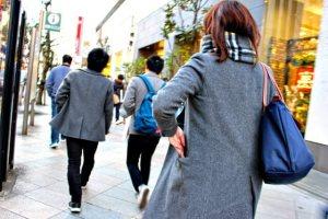 女子高校生におすすめ可愛いマフラー12選【学生の人気色やブランド】