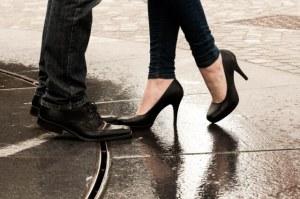 濡れた靴を乾かす便利グッズ&家電!簡単に早く乾く方法は靴乾燥機