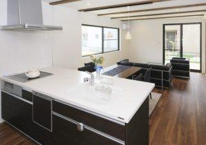 キッチン収納術のコツ&アイデア!使いやすい台所はシンプルなインテリア