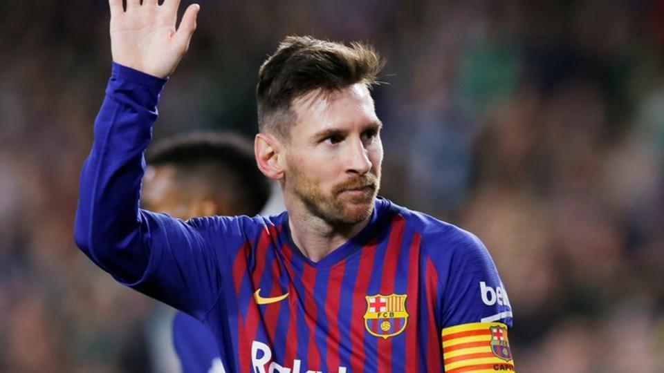 Dwigol Lionel Messi Menangkan Barcelona Di Derby Catalan