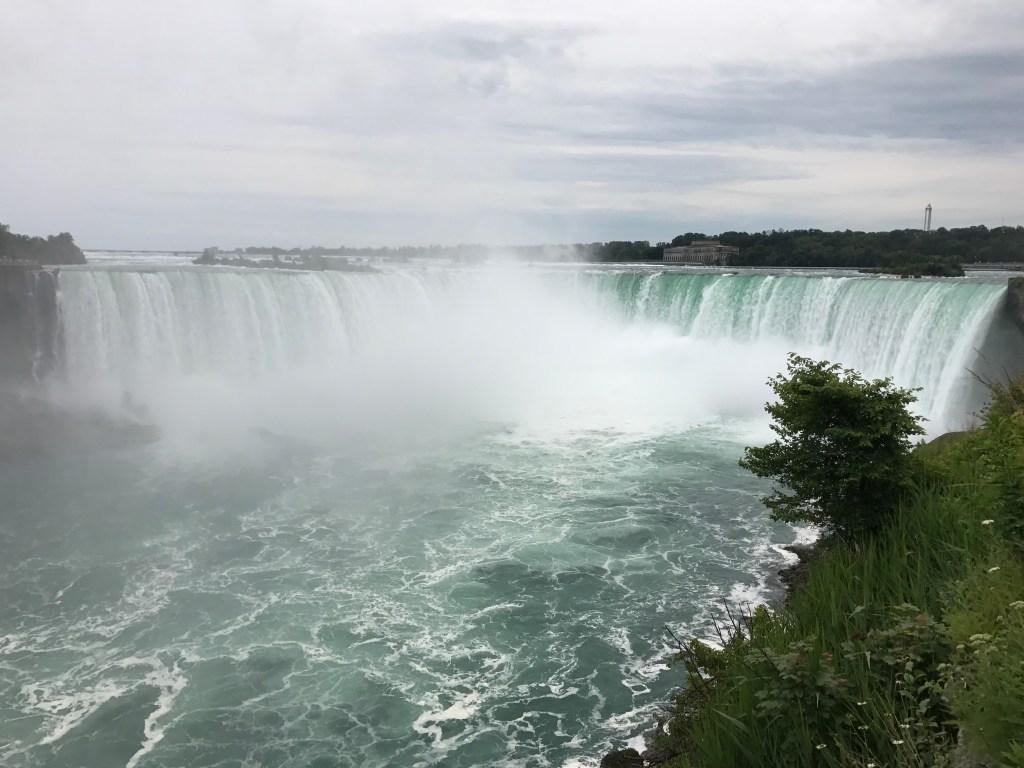 horseshoe falls, niagara falls, ontario Canada