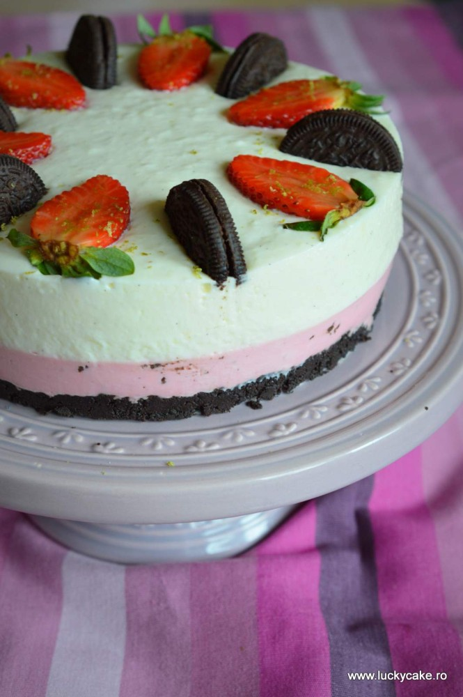 Cheesecake cu vanilie si capsuni