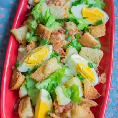 Salata cu bacon oua si cartofi