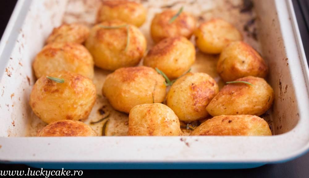 Cartofi rumeni la cuptor