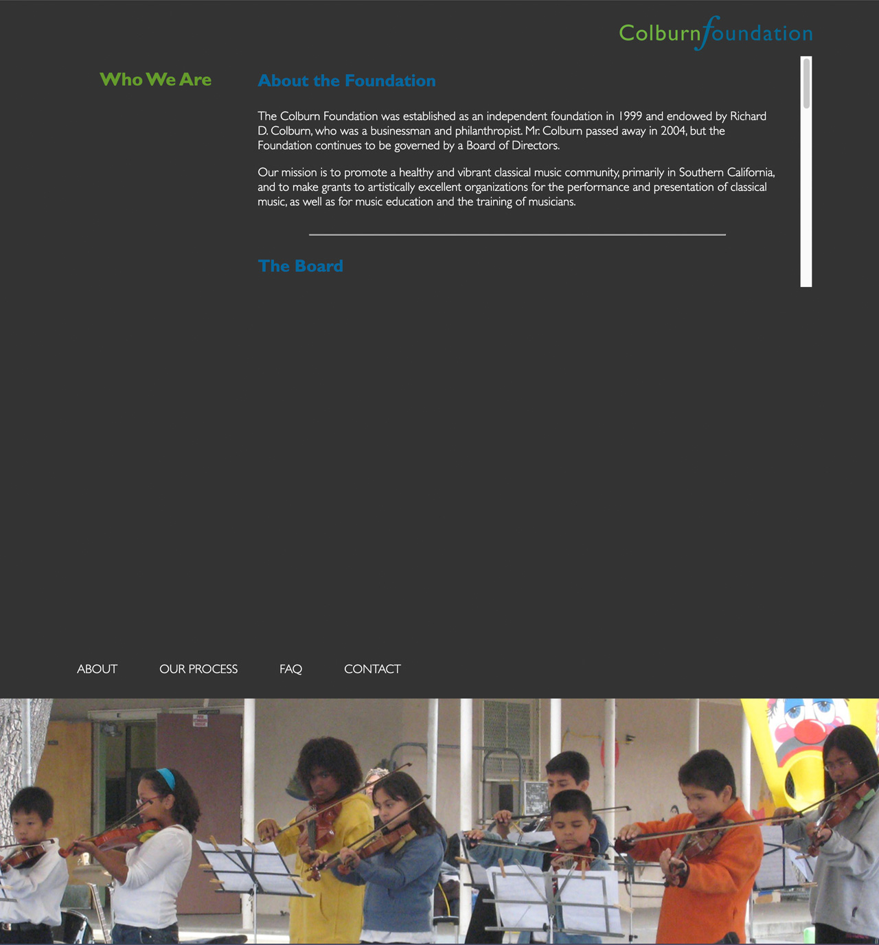 Seven young children play violins in photo on homepage of Colburn Foundation website.