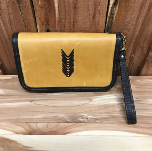 Double J Buckskin V Design Clutch Organizer