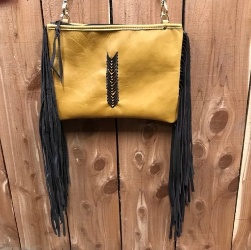 Double J Buckskin V Design Medium Clutch MDC14