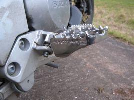 Pivot Pegz MK3 an Suzuki V-Strom DL1000