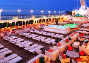 Crystal cruise ship pool