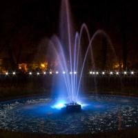 Warm Summer Night & a Fountain - Light Painting